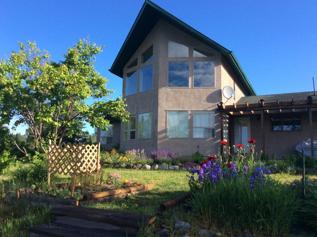 8495 Colebank Road > Hixon, BC | 400 Acres | 3 Bedroom Home | 30×30 Workshop | Hay Barn | Livestock Handling Corrals | 20×24 Cabin