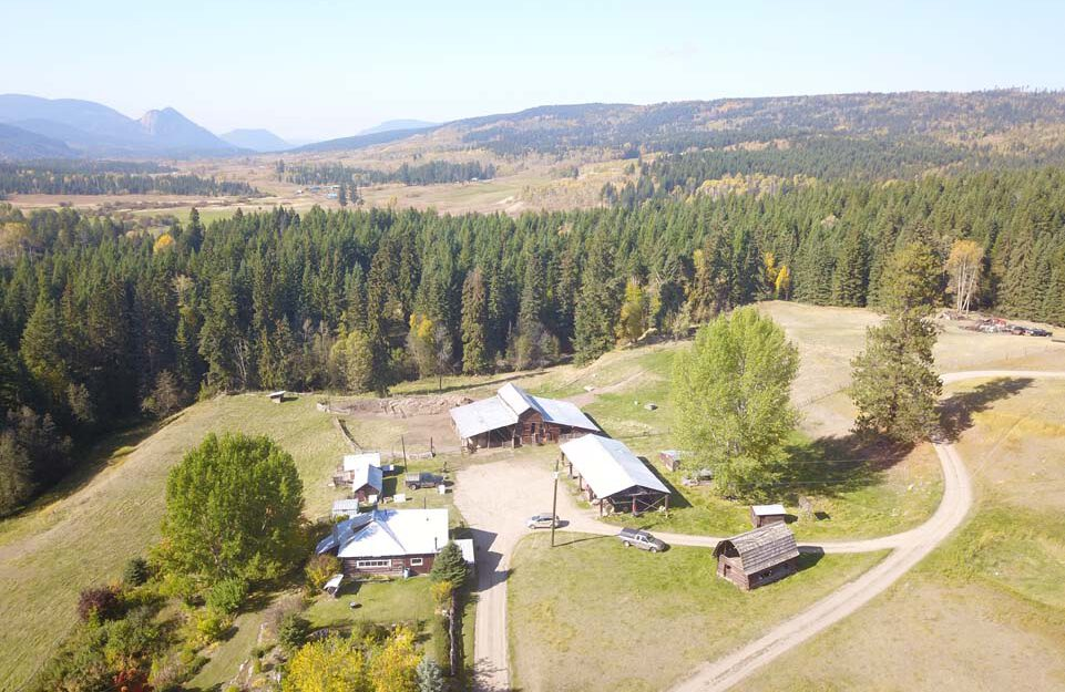Jay Springs Ranch 3960 & 3921 Pinantan-Pritchard Road Kamloops, BC > 326 Acres | 3 Residences | 480 Acre Grazing Lease | 6 Water Licenses | Irrigated Pastures | Hip Roof Barn